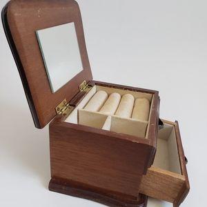 R Powell  vtg  wood jewerly box Taiwan